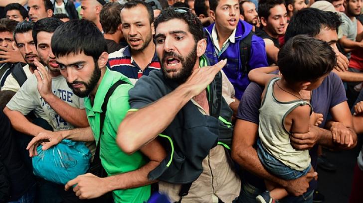 SUMMIT. UE și Turcia încearcă să încheie acordul pe tema refugiaților. Ce spun Merkel și Davutoglu