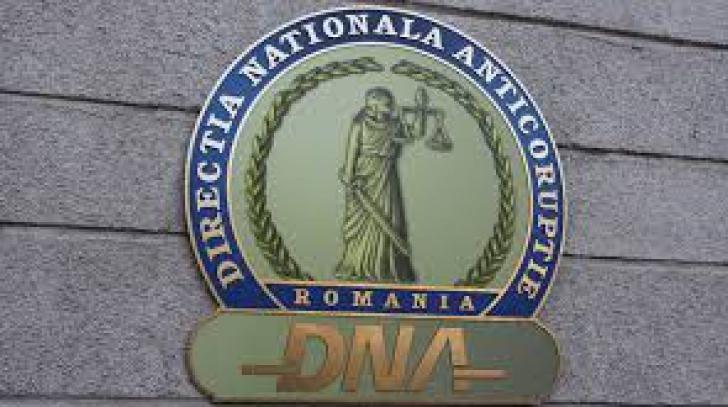Şeful Poliției Rutiere Teleorman şi procurorul Ovidiu Toma, trimişi în judecată de procurorii DNA