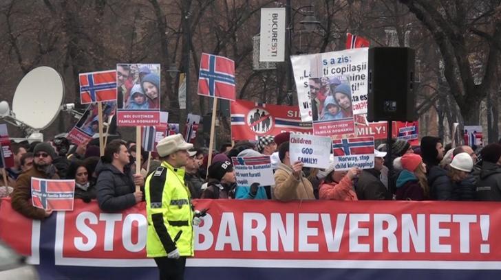 Cazul Bodnariu. Sute de oameni au protestat în Braşov, faţă de măsurile autorităţilor norvegiene