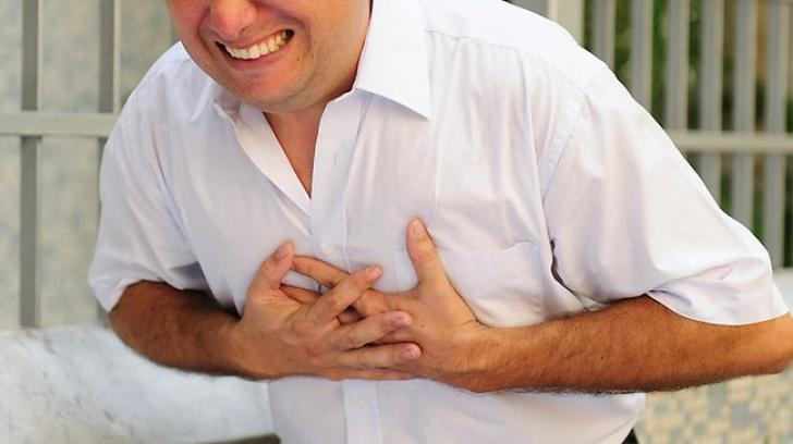 În cazul unui atac de cord, ai 10 secunde la dispoziţie pentru a-ţi salva viaţa! Ce trebuie să faci