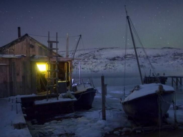 Ce se întâmplă într-un sat unde soarele nu răsare deloc în miezul iernii