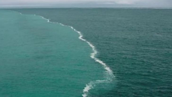 Minunea din Quran. Două oceane se întâlnesc şi nu se amestecă