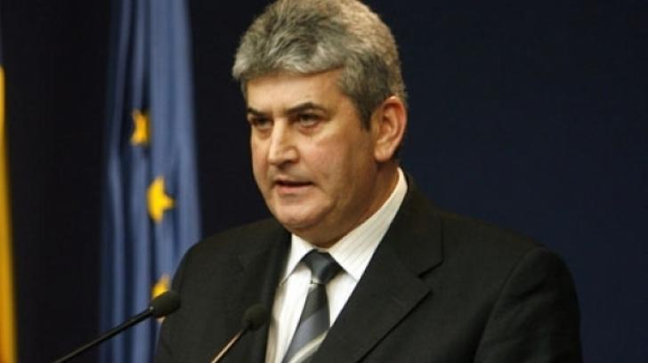 Gabriel Oprea, pus sub urmărire penală de DNA, în dosarul coloanelor oficiale: Sunt nevinovat