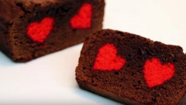 Chec spectaculos cu inimioare roşii ca focul în interior: Reţeta pas cu pas!