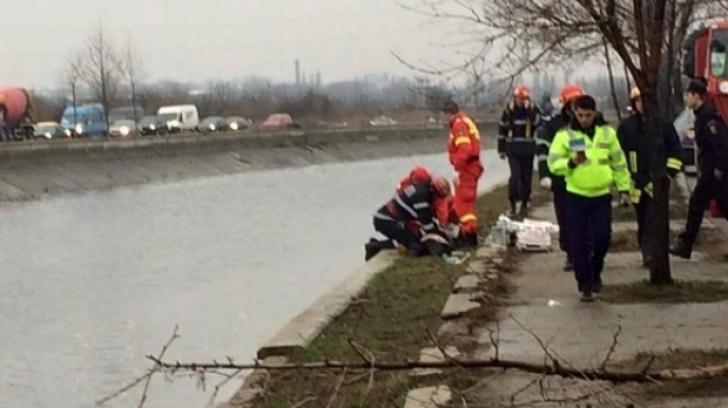 Primăria Capitalei, soluţie de ultima oră pentru a evita plonjarea maşinilor în râul Dâmboviţa