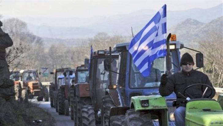 MAE: Transportatorii blocaţi la graniţa eleno-bulgară pot folosi o rută prin Macedonia