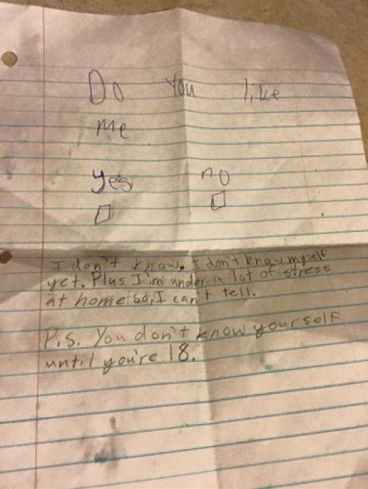 O colegă l-a întrebat dacă o place. Răspunsul neașteptat al băiatului. Vei râde cu lacrimi!