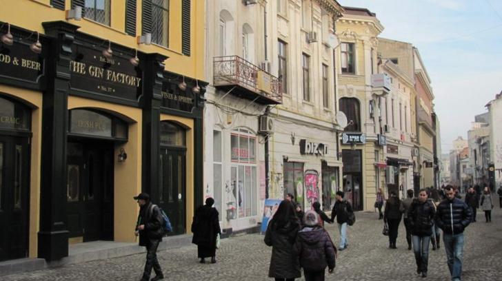 Masca ar putea deveni obligatorie în Centrul Vechi din București