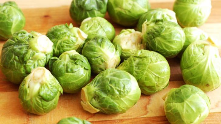 Cum trebuie să găteşti varza de Bruxelles pentru a nu fi amară