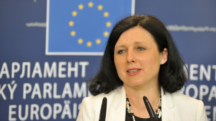 Comisarul european Vera Jourova discută, astăzi, cu Cioloș și Prună despre reforma justiției