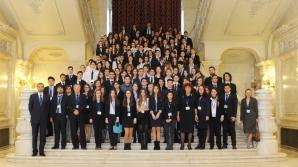 Ambasador Astăzi. A 5-a ediţie a Conferinţei Lauder de diplomaţie şi afaceri pentru elevii de liceu