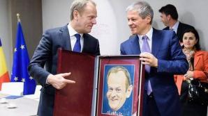 """Premierul Cioloş i-a dat lui Donald Tusk o caricatură pentru a-şi """"descreţi fruntea"""""""