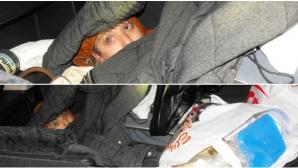 Poliţiştii de frontieră de la Arad au dechis portbagajul unei maşini. Au rămas şocaţi ce au găsit!