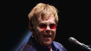 Elton John, acuzat de hărţuirea sexuală de către fostul său bodyguard
