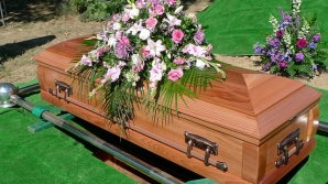 O celebră cântăreaţă a murit la 40 de ani. Avea cancer şi renunţase la tratament din noiembrie