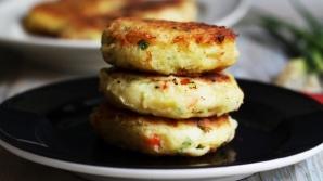 Reţeta zilei: Pârjoale din cartofi cu ceapă verde