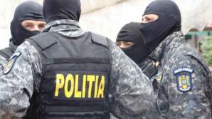 VIDEO. Scanda cu furci şi coase între romi. 12 persoane au ajuns la spital