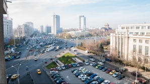 Protest al militarior, în Bucureşti. Traficul este restricţionat în Piaţa Victoriei