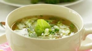 Dieta cu supă de varză. Slăbeşti 7 kg în 7 zile
