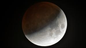 Eclipsă de lună 18 august. Mare atenţie! Se anunţă schimbări majore. Cum sunt zodiile influenţate