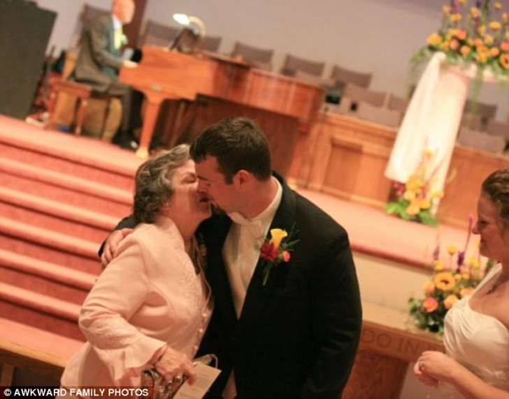 Cele mai penibile momente de la nuntă, surprinse în poze! Îți dau lacrimile de râs după ce le vezi