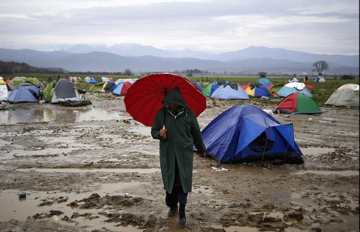 Criza refugiaților. O ţară europeană şi-a închis complet graniţele pentru imigranţi