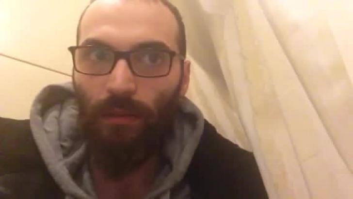 Viaţa bate orice film! Un refugiat sirian, reţinut de 1 AN pe aeroportul din Istanbul: la ce visează