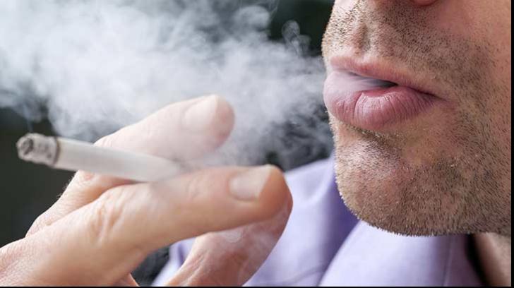 Legea antifumat. Ce soluţie au găsit patronii pentru a se putea fuma în continuare în localuri