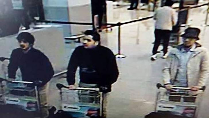 Bărbatul cu pălărie de pe aeroport, identificat drept Faycal Cheffou și inculpat! Este jurnalist