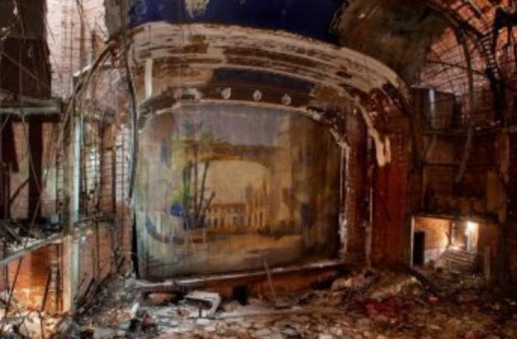 A găsit o biserică abandonată, în care nu mai călcase picior de om, apoi a făcut ceva IREAL! / Foto: Arhiva