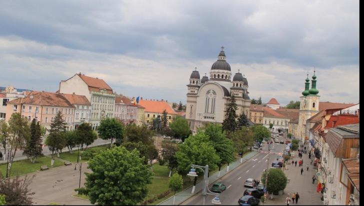 """Un oraş din România se bate cu New York-ul pentru titlul """"Best City to Visit 2016″"""