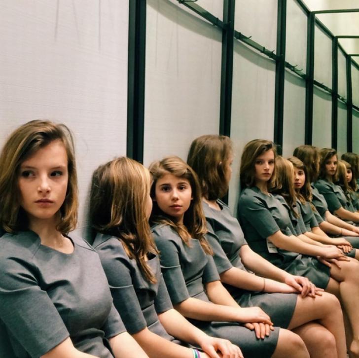 Iluzie optică. Câte fete apar în imagine? Fotografia a isterizat internauții