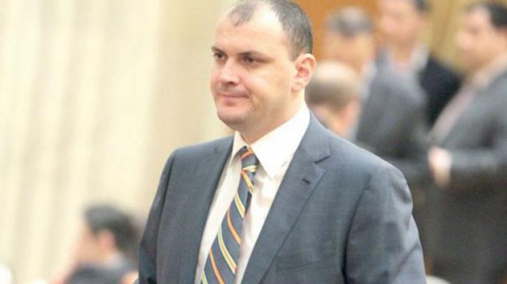 Surse: Firmele apropiate lui Ghiță, verificate. DNA a cerut contracte de la patru ministere