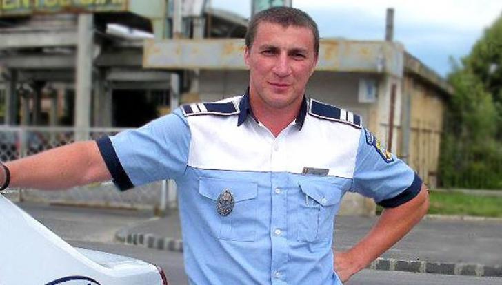 Polițistul Marian Godină recidivează. Acesta va lansa la Bookfest un volum pentru copii