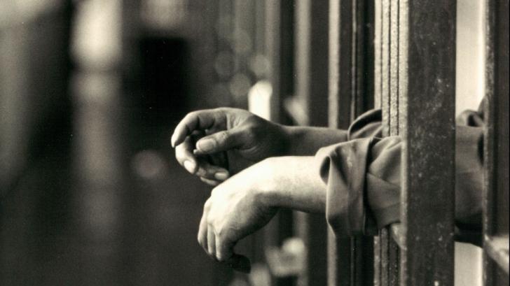 Ministerul Justiţiei, proiect pentru deţinuţii-scriitori. Câte zile li se scad din pedeapsă