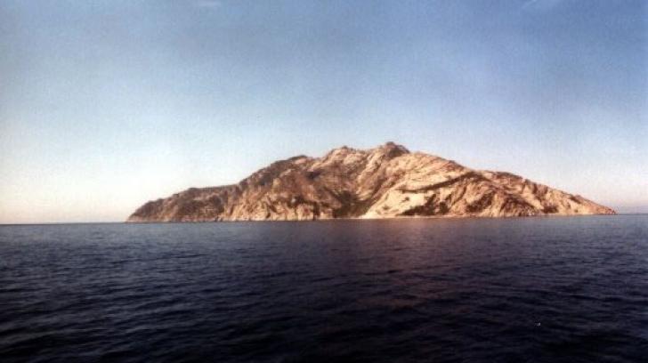 Cea mai misterioasă insulă din Mediterană: doar 1.000 de oameni au voie să o viziteze anual