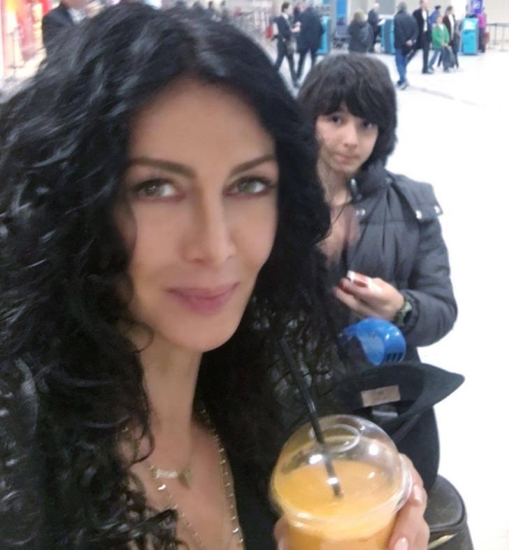 Cum arată Mihaela Rădulescu în timp ce se difuzează Românii au Talent
