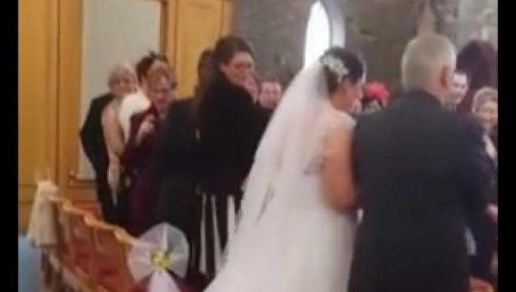 Întâmplare amuzantă la o nuntă: râzi cu lacrimi când vezi ce a păţit mireasa
