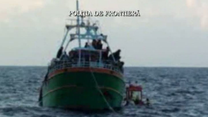 876 de imigranţi, salvaţi de români