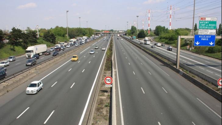 Șofer român de TIR, condamnat la închisoare în Franța. A fentat taxa de autostradă ani la rând