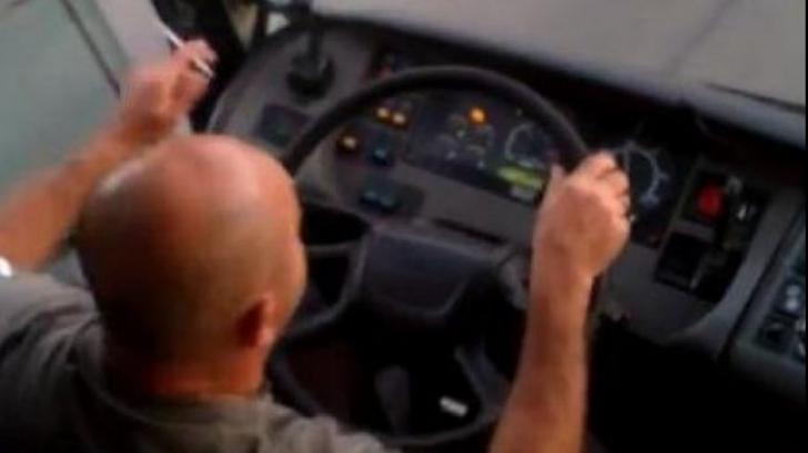 Cum e sfidată legea antifumat. Se fumează în autobuz. VIDEO