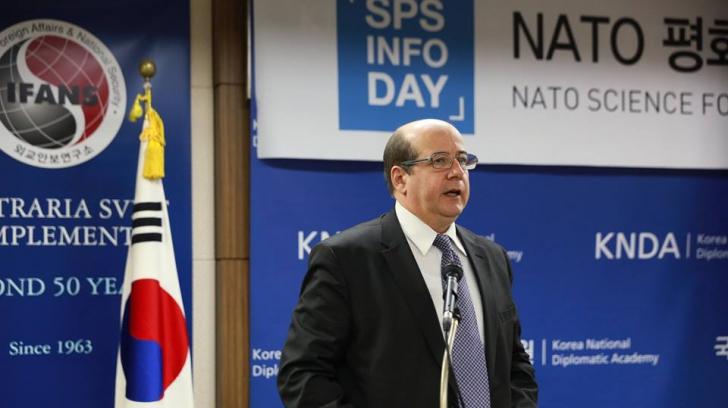 Sorin Ducaru, românul cu cea mai înaltă funcţie în cadrul NATO, despre securitatea cibernetică