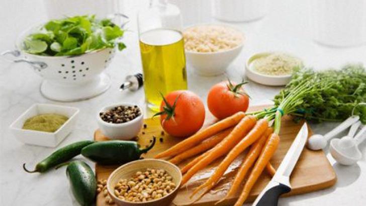 Alimentele care îți prelungesc tinerețea! Ce nu trebuie să îți lipsească din alimentația zilnică