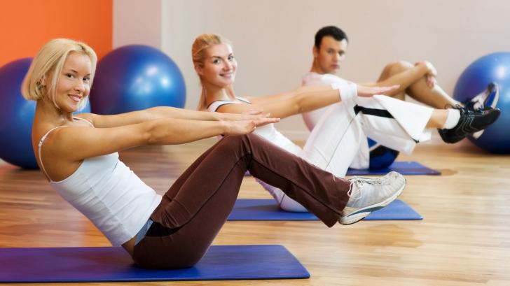 Cele mai eficiente exerciții pentru grăsimea de pe abdomen