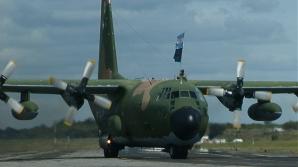 Aviatorii militari, plătiţi la nivelul unei stewardese