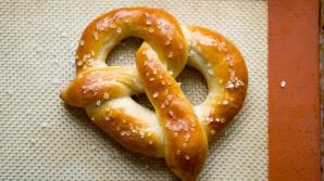 Rețeta aperitivului perfect: covrigi nemțești la tine acasă