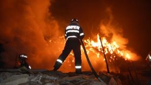 O biserica de lemn din Suceava, distrusă în urma unui incendiu puternic