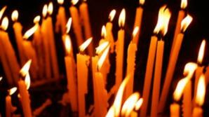 Mai multe biserici, obligate să vândă 40.000 de lumânări în perioada Sărbătorilor Pascale