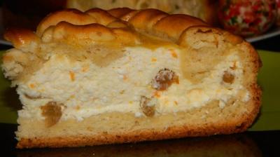 PASCA REŢETĂ. Pasca tradiţională de Paşte cu brânză dulce de vacă şi stafide