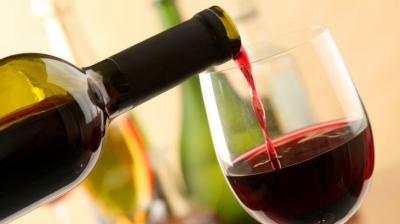 MASA DE PAŞTE. Ce vinuri se potrivesc cel mai bine cu friptura de miel şi cu cozonacul